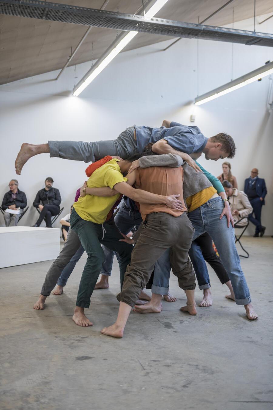 Kunsthaus Baselland Perform 8370