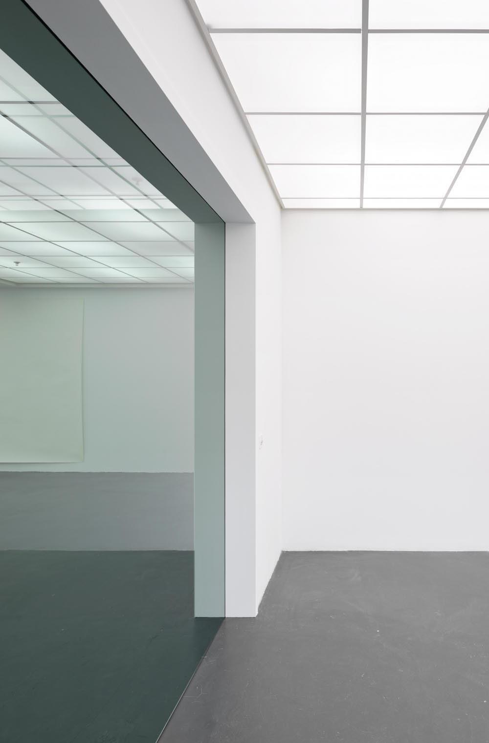 Thomas Hauri Ohne Titel 2016 Glas 2312 X 229 9 Cm Ausstellungsansicht Kunsthaus Baselland 2016 Foto Jeannette Mehr